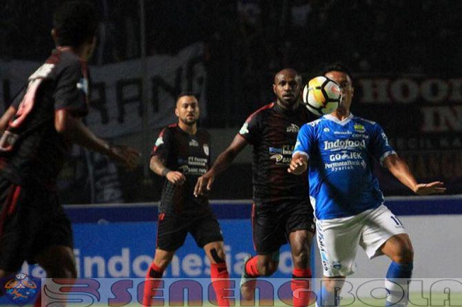 Persib Bandung Tuai Hasil Imbang di Kandang Persipura Jayapura 1-1