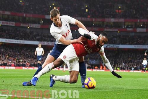Hasil Piala EFL : Tottenham Bungkam Arsenal 0-2