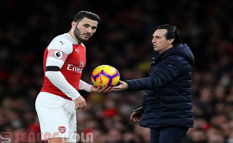 Unai Emery Dapatkan Ejekan Dari Suporter Arsenal